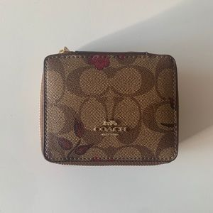 [NWT] Coach Jewelry and Accessory Leather Box